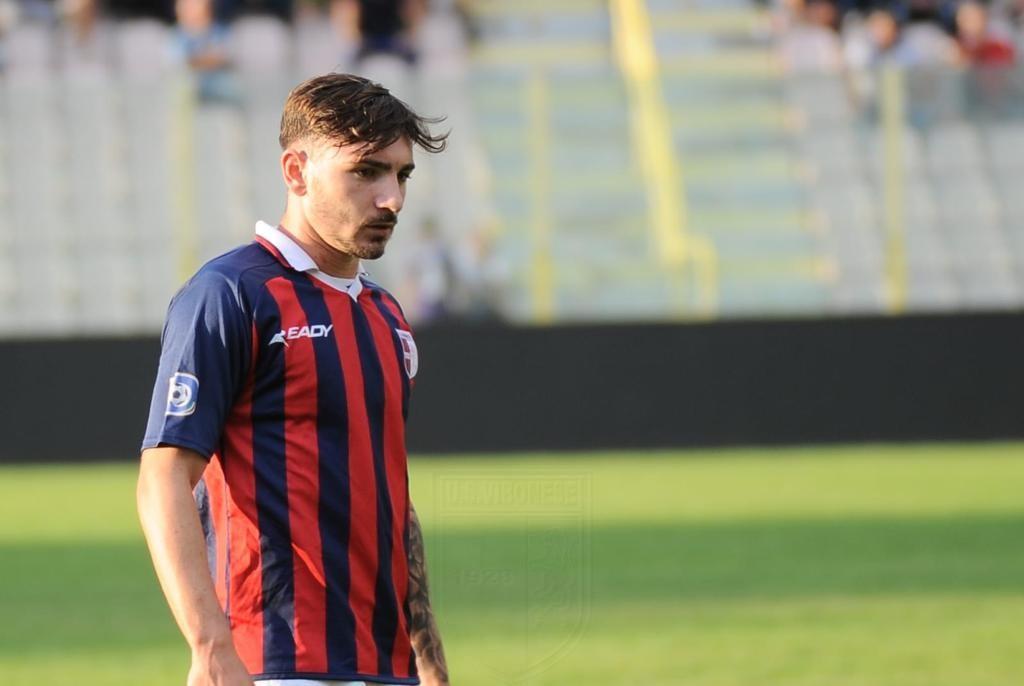 """La """"barbetta portafortuna"""" di Leonardo Taurino, da quando non la taglia è più decisivo di Castaldo immagine 10351 US Vibonese Calcio"""