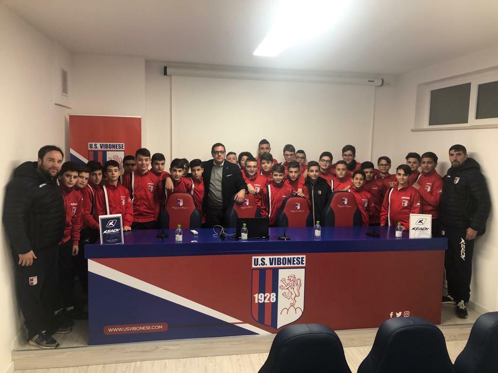 CASA VIBONESE | Incontro con tifosi e baby rossoblu immagine 14299 US Vibonese Calcio