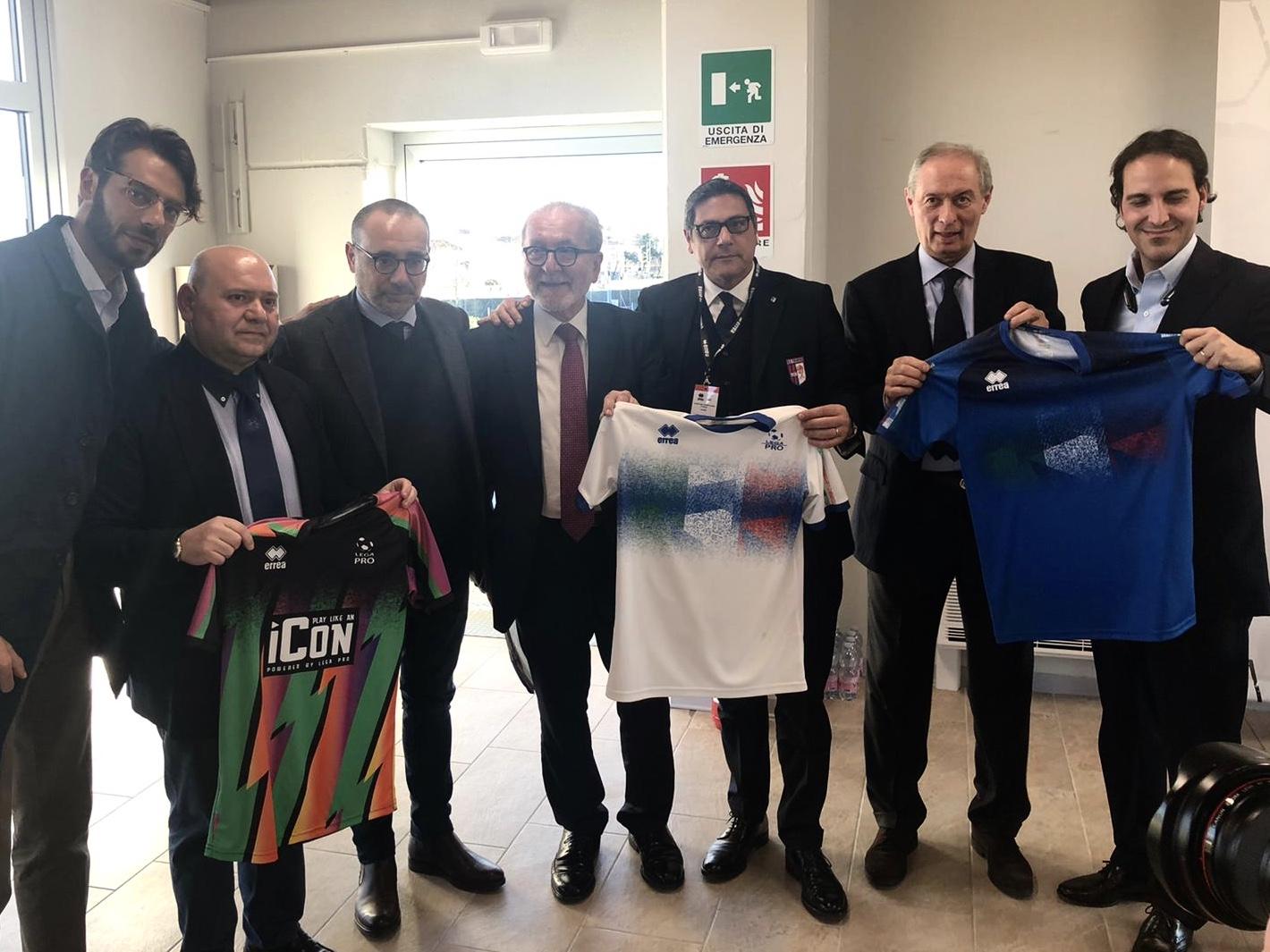 NOTIZIE DALLA LEGA | I club scelgono la terza maglia della Rappresentativa di Lega Pro colorata e innovativa immagine 14336 US Vibonese Calcio