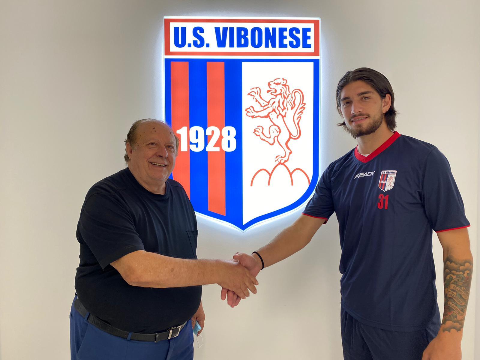 UFFICIALE | A Vibo l'attaccante Vincenzo Plescia in prestito dal Renate immagine 16145 US Vibonese Calcio