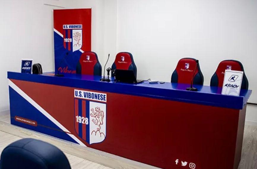 PRESS AREA | Squadra in silenzio stampa immagine 16844 US Vibonese Calcio